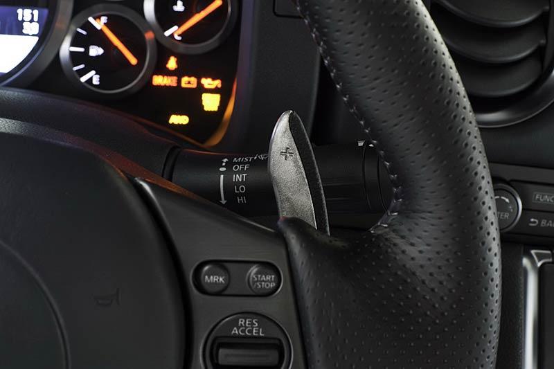 Nissan GT-R: fotogalerie verze modelového roku 2011: - fotka 7