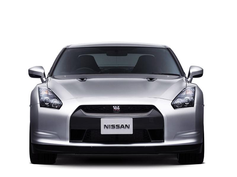 Nissan GT-R: do nového roku výkonnější: - fotka 18