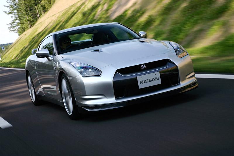 Pod lupou: Nissan GT-R – Megacloumák: - fotka 20