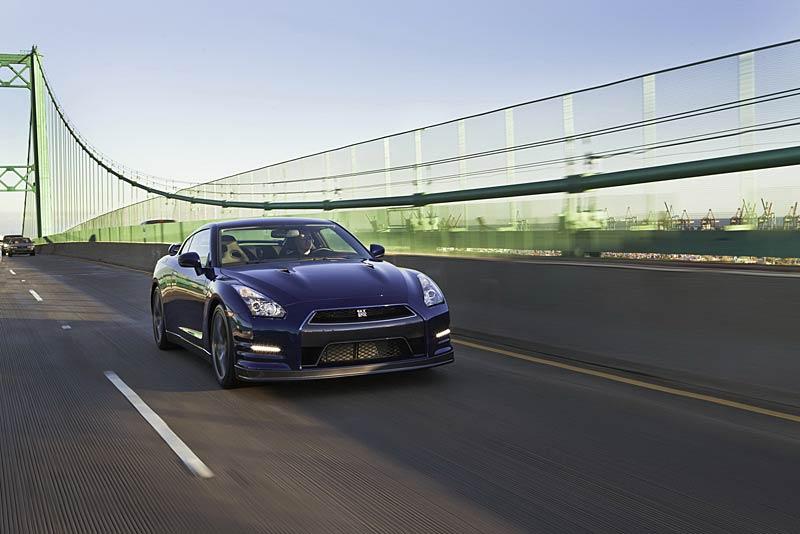 Nissan GT-R: fotogalerie verze modelového roku 2011: - fotka 17