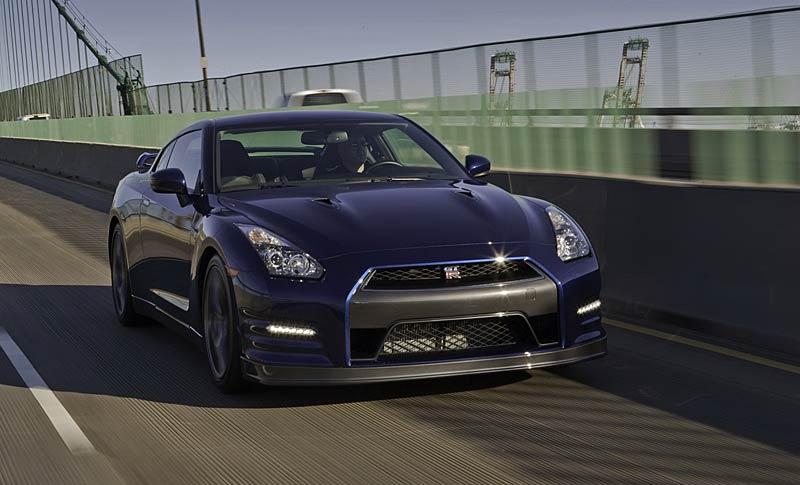 Nissan GT-R: fotogalerie verze modelového roku 2011: - fotka 21
