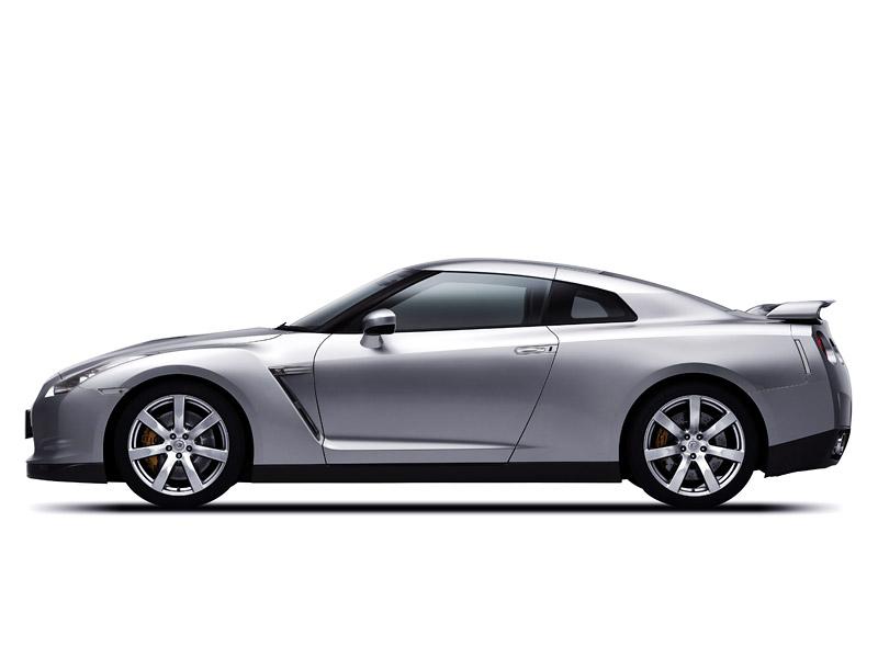 Nissan GT-R: do nového roku výkonnější: - fotka 27