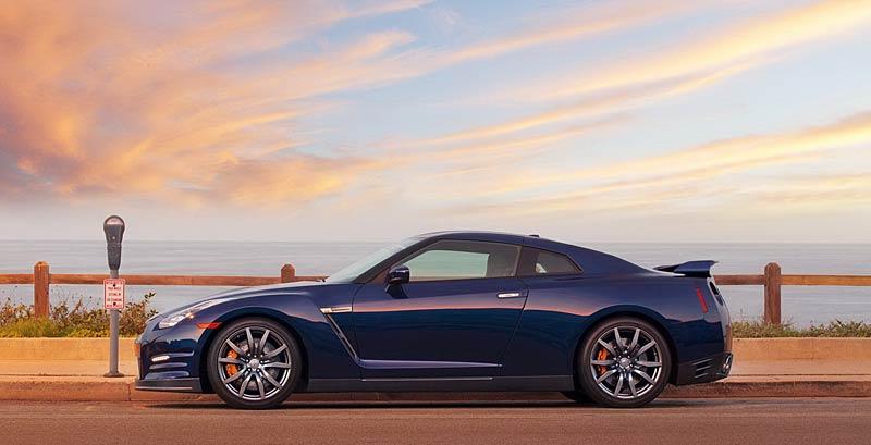 Nissan GT-R Egoist: je libo růžovou?: - fotka 22