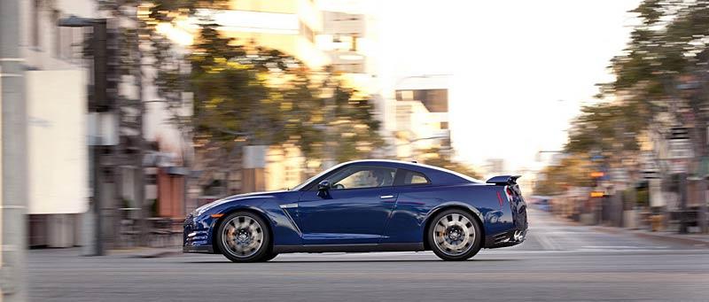 Nissan GT-R: fotogalerie verze modelového roku 2011: - fotka 27