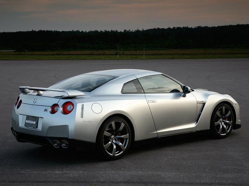 Nissan GT-R: do nového roku výkonnější: - fotka 29