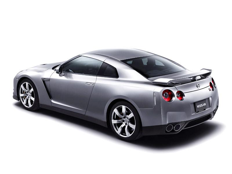 Nissan GT-R: do nového roku výkonnější: - fotka 31