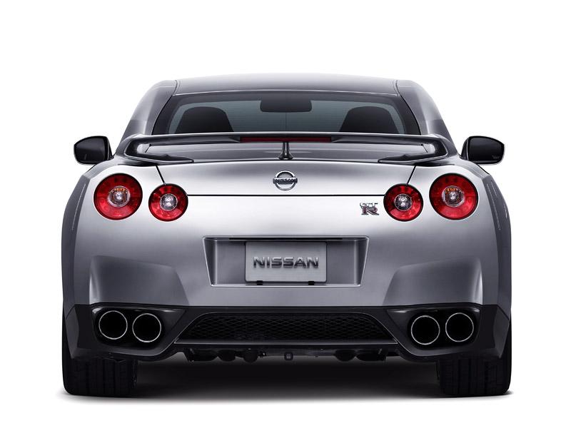Nissan GT-R: do nového roku výkonnější: - fotka 34