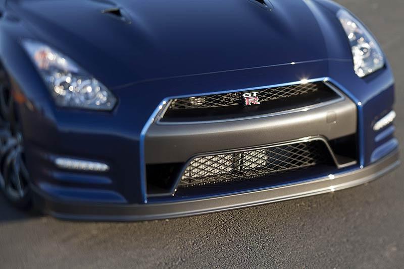 Nissan GT-R: fotogalerie verze modelového roku 2011: - fotka 33
