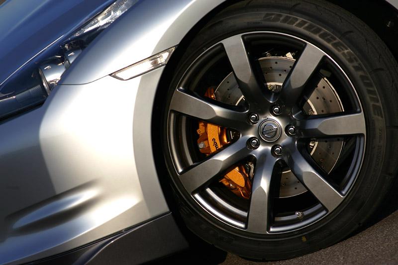 Nissan GT-R: do nového roku výkonnější: - fotka 37