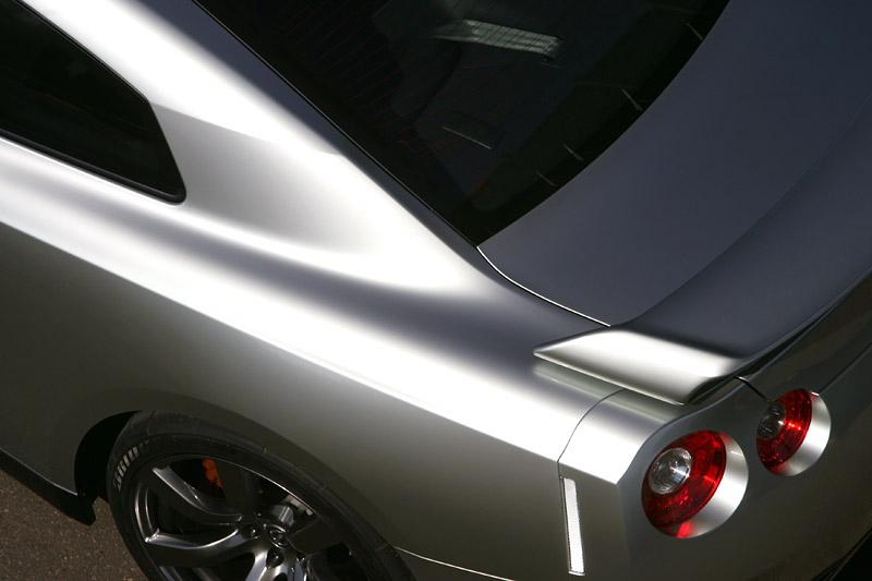 Nissan GT-R: do nového roku výkonnější: - fotka 38