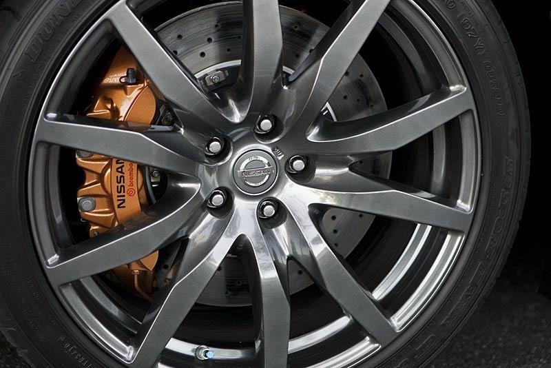 Nissan GT-R vylepšil o 2,48 s svůj rekord na Nordschleife: - fotka 35