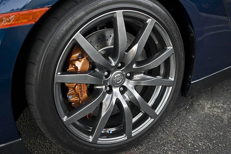 Nissan GT-R: fotogalerie verze modelového roku 2011: - fotka 36