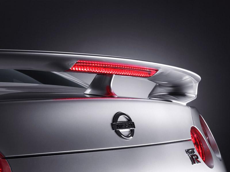 Nissan GT-R: do nového roku výkonnější: - fotka 41