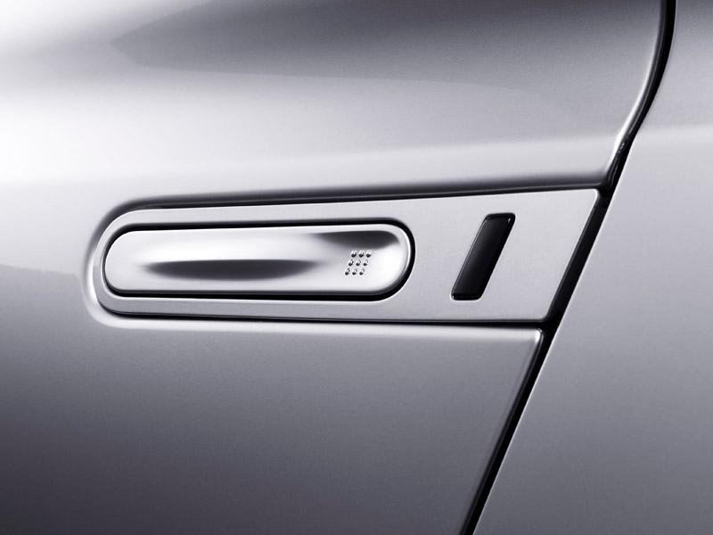 Nissan GT-R: do nového roku výkonnější: - fotka 42