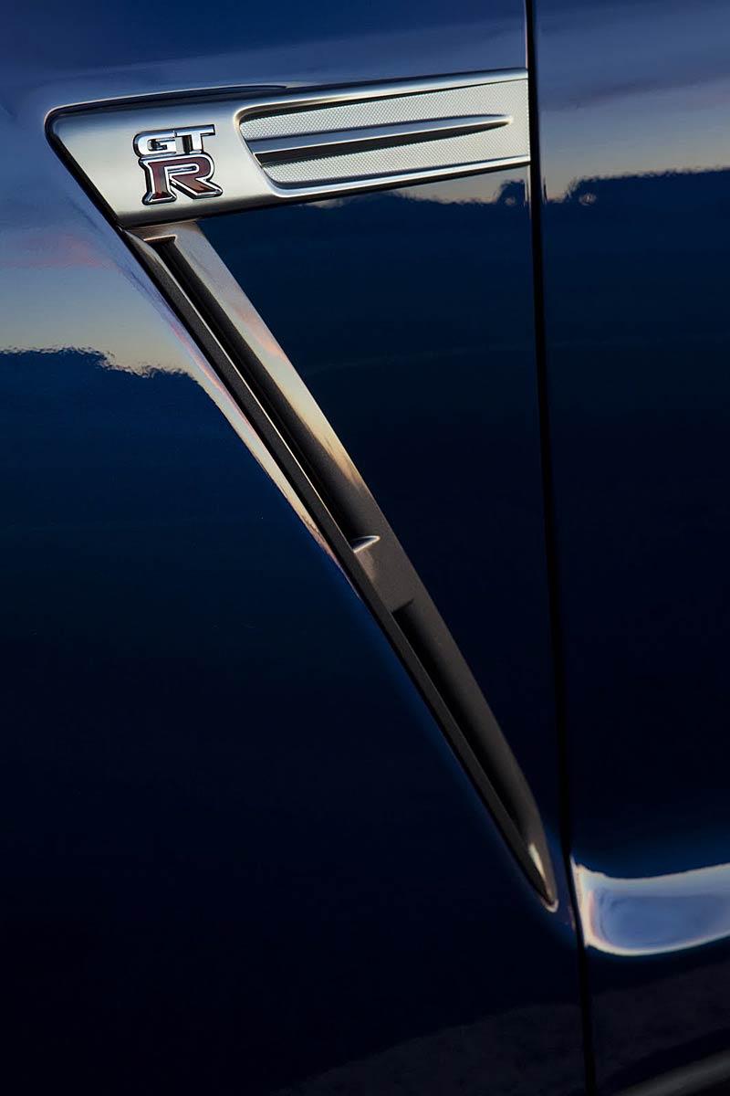 Nissan GT-R: fotogalerie verze modelového roku 2011: - fotka 40
