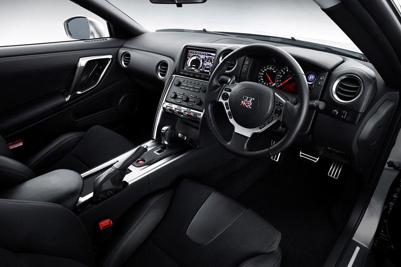 Nissan v Americe skoncoval s levným GT-R: - fotka 2
