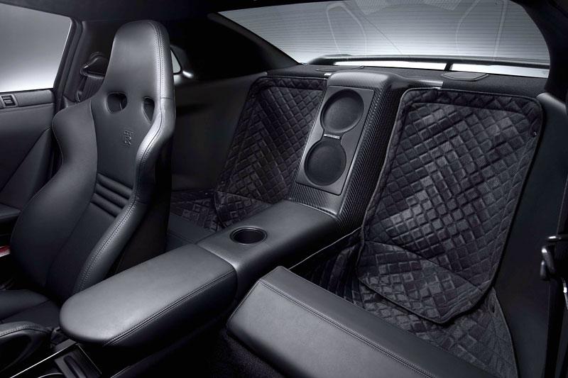 Nissan GT-R SpecV oficiálně: více karbonu, více rychlosti: - fotka 7