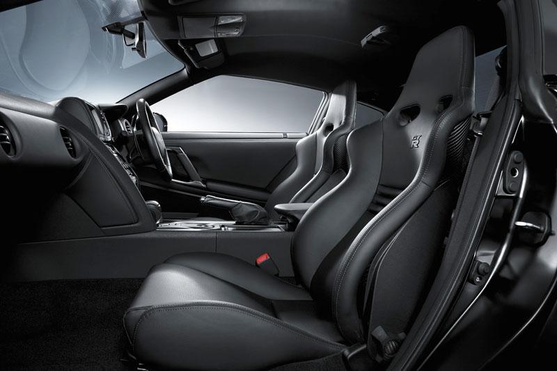 Nissan GT-R SpecV oficiálně: více karbonu, více rychlosti: - fotka 8