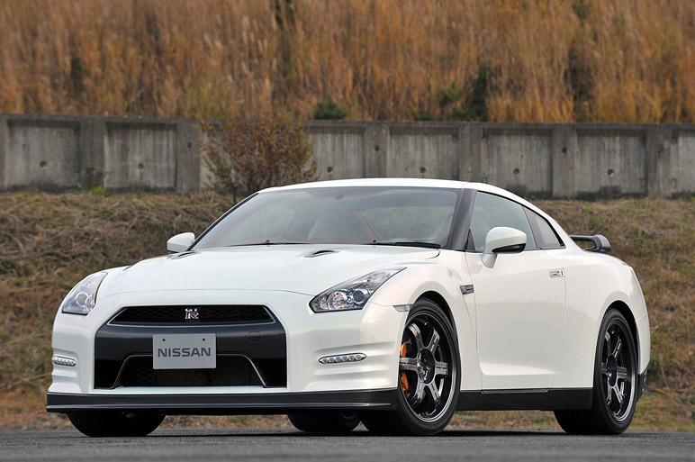 Nissan GT-R Egoist: je libo růžovou?: - fotka 5