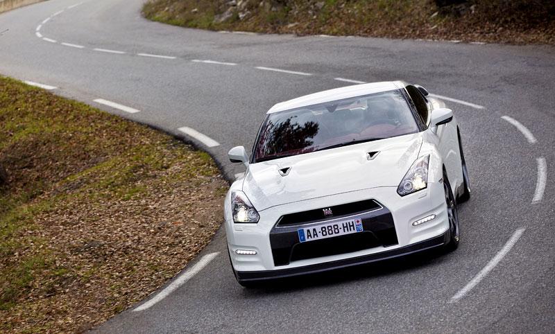 Nissan GT-R Egoist: velká fotogalerie: - fotka 31