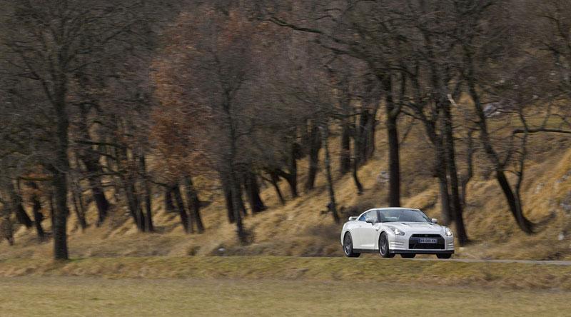 Nissan GT-R Egoist: velká fotogalerie: - fotka 35