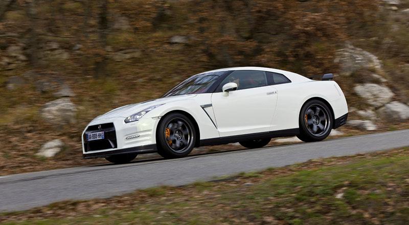 Nissan GT-R Egoist: velká fotogalerie: - fotka 38