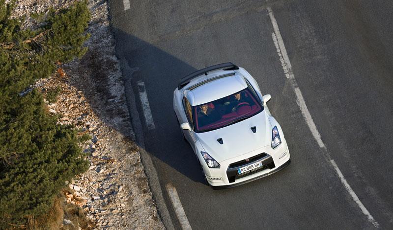 Nissan GT-R Egoist: velká fotogalerie: - fotka 42
