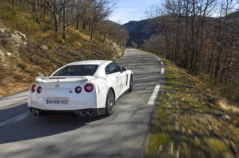 Nissan GT-R Egoist: velká fotogalerie: - fotka 54