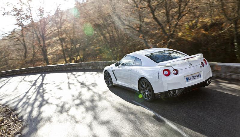 Nissan GT-R Egoist: velká fotogalerie: - fotka 56