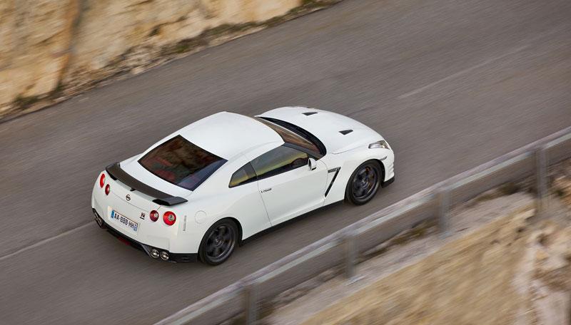 Nissan GT-R Egoist: velká fotogalerie: - fotka 65
