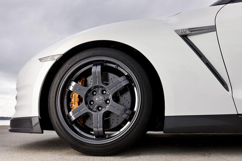 Nissan GT-R Egoist: velká fotogalerie: - fotka 75
