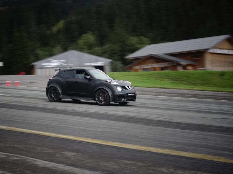 Řídili jsme Nissan Juke-R 2.0, crossover za 13,5 milionu korun (+video): - fotka 14
