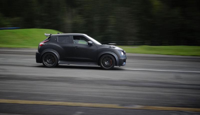 Řídili jsme Nissan Juke-R 2.0, crossover za 13,5 milionu korun (+video): - fotka 17