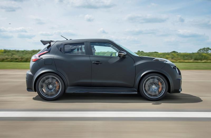 Nissan Juke-R 2.0 vznikne v limitované sérii (+video): - fotka 13