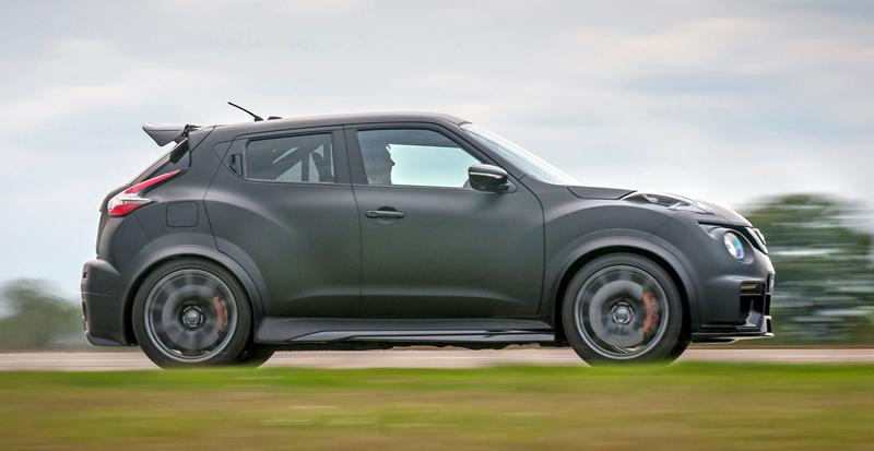 Nissan Juke-R 2.0 vznikne v limitované sérii (+video): - fotka 14