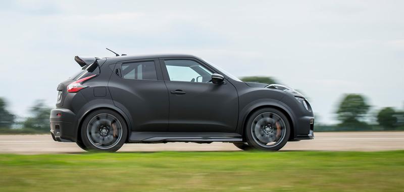 Nissan Juke-R 2.0 vznikne v limitované sérii (+video): - fotka 15