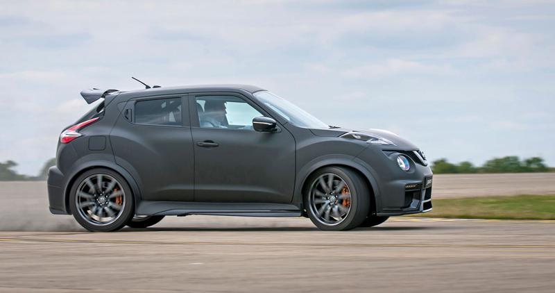 Nissan Juke-R 2.0 vznikne v limitované sérii (+video): - fotka 16