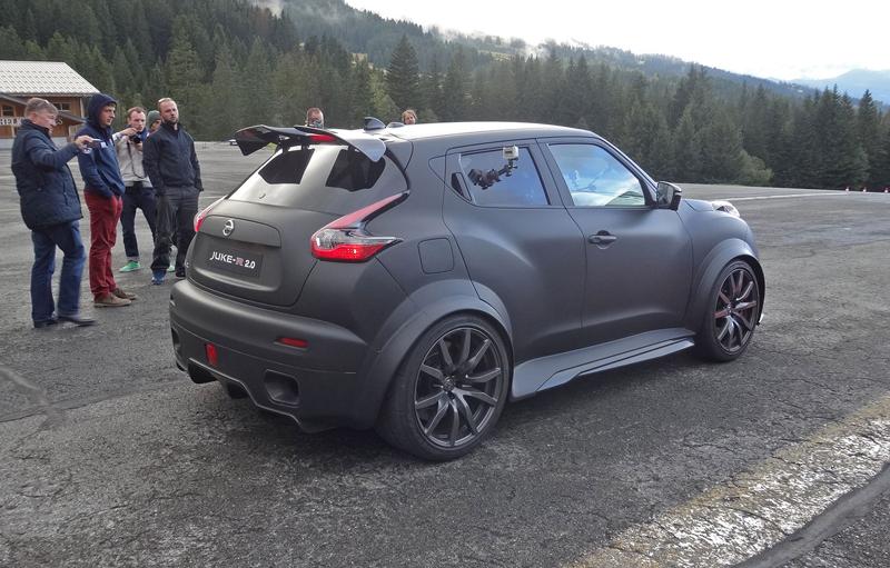 Řídili jsme Nissan Juke-R 2.0, crossover za 13,5 milionu korun (+video): - fotka 20