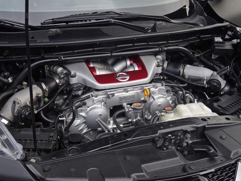 Řídili jsme Nissan Juke-R 2.0, crossover za 13,5 milionu korun (+video): - fotka 27