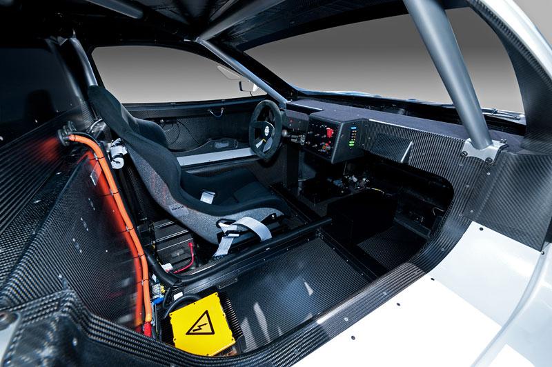Nissan Leaf NISMO RC: elektrický závoďák: - fotka 2