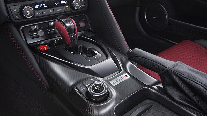 Nissan GT-R Nismo 2017: Ani ostrá verze nezůstala bez úprav: - fotka 2