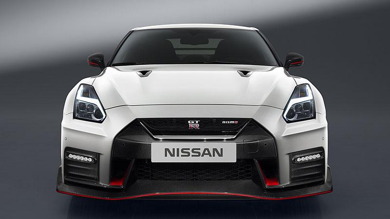 Nissan GT-R Nismo 2017: Ani ostrá verze nezůstala bez úprav: - fotka 5