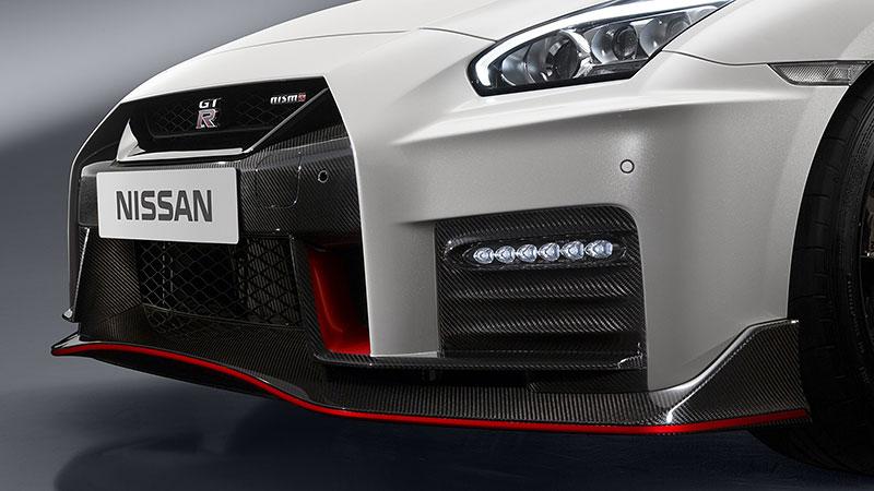 Nissan GT-R Nismo 2017: Ani ostrá verze nezůstala bez úprav: - fotka 12