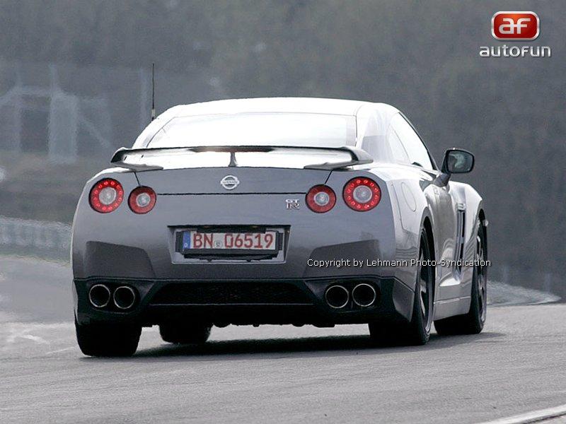 Nissan GT-R Spec-V: novoroční dárek: - fotka 12