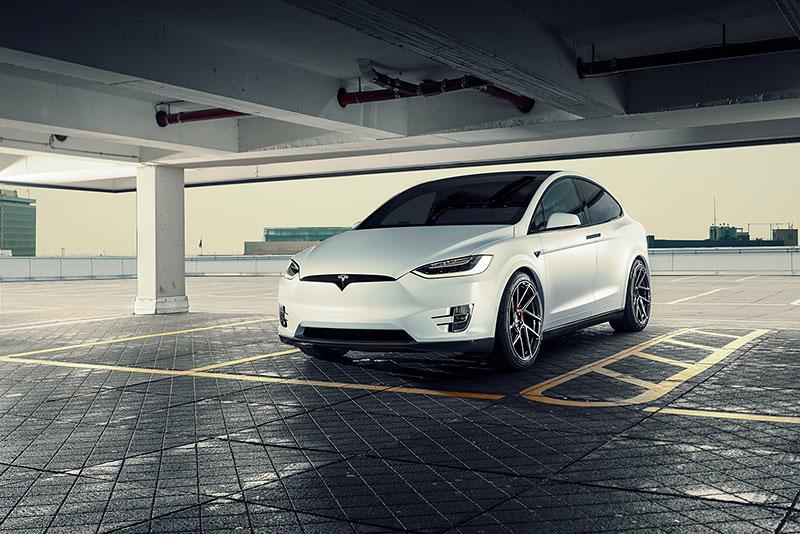 Novitec se nově pouští i do úprav elektromobilů značky Tesla: - fotka 11