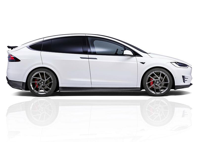 Novitec se nově pouští i do úprav elektromobilů značky Tesla: - fotka 14