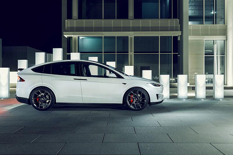 Novitec se nově pouští i do úprav elektromobilů značky Tesla: - fotka 15
