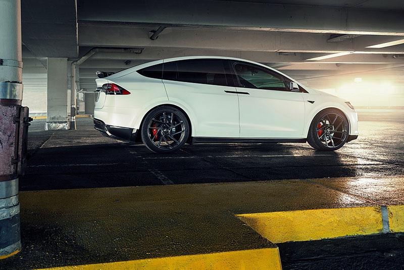 Novitec se nově pouští i do úprav elektromobilů značky Tesla: - fotka 22