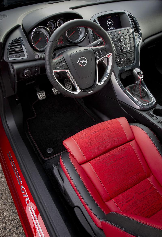 Opel Astra GTC Paris: velká fotogalerie a podrobnější info: - fotka 4