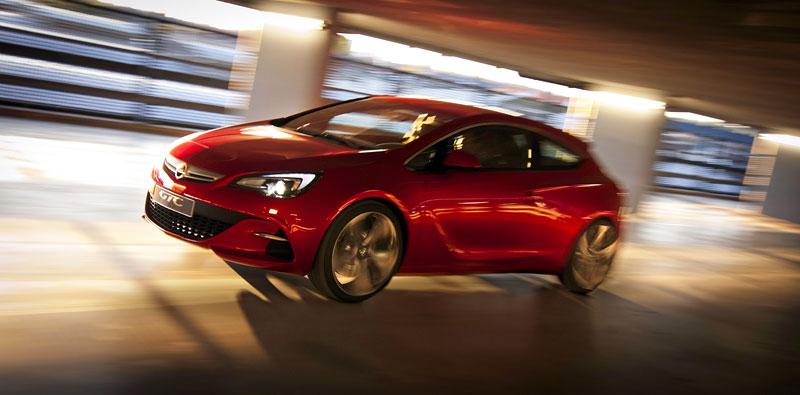 Opel Astra GTC Paris: velká fotogalerie a podrobnější info: - fotka 15